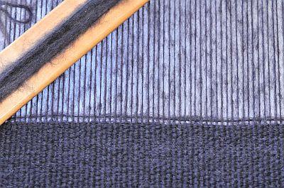 gewebter Schal aus Kauni auf dem Knitters Loom