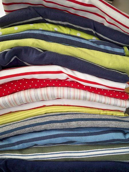 Selbstegenähte Farbenmix Shirts
